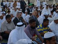 الاستاذ-طارق-الهاشمي-يؤدي-صلاة-عيد-الأضحى-في-الدوحة