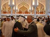 الاستاذ-طارق-الهاشمي-يؤدي-صلاة-عيد-الفطر-في-الدوحة